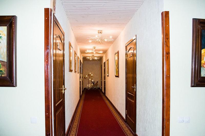 Де Ришелье - холл (3 этаж)