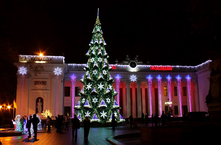 Christmas tree on Dumskaya square